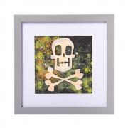 Skull & Crossbones Frame