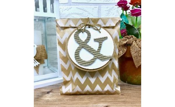 Ampersand gift wrapping idea
